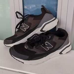 New Balance Wmn's Running Shoes - Sz 9